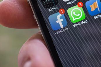 Whatsapp, il fondatore Acton lascia: Fonderò una ong