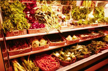 Alimenti italiani sempre più sicuri, il 99,7% ha residui di pesticidi nella norma