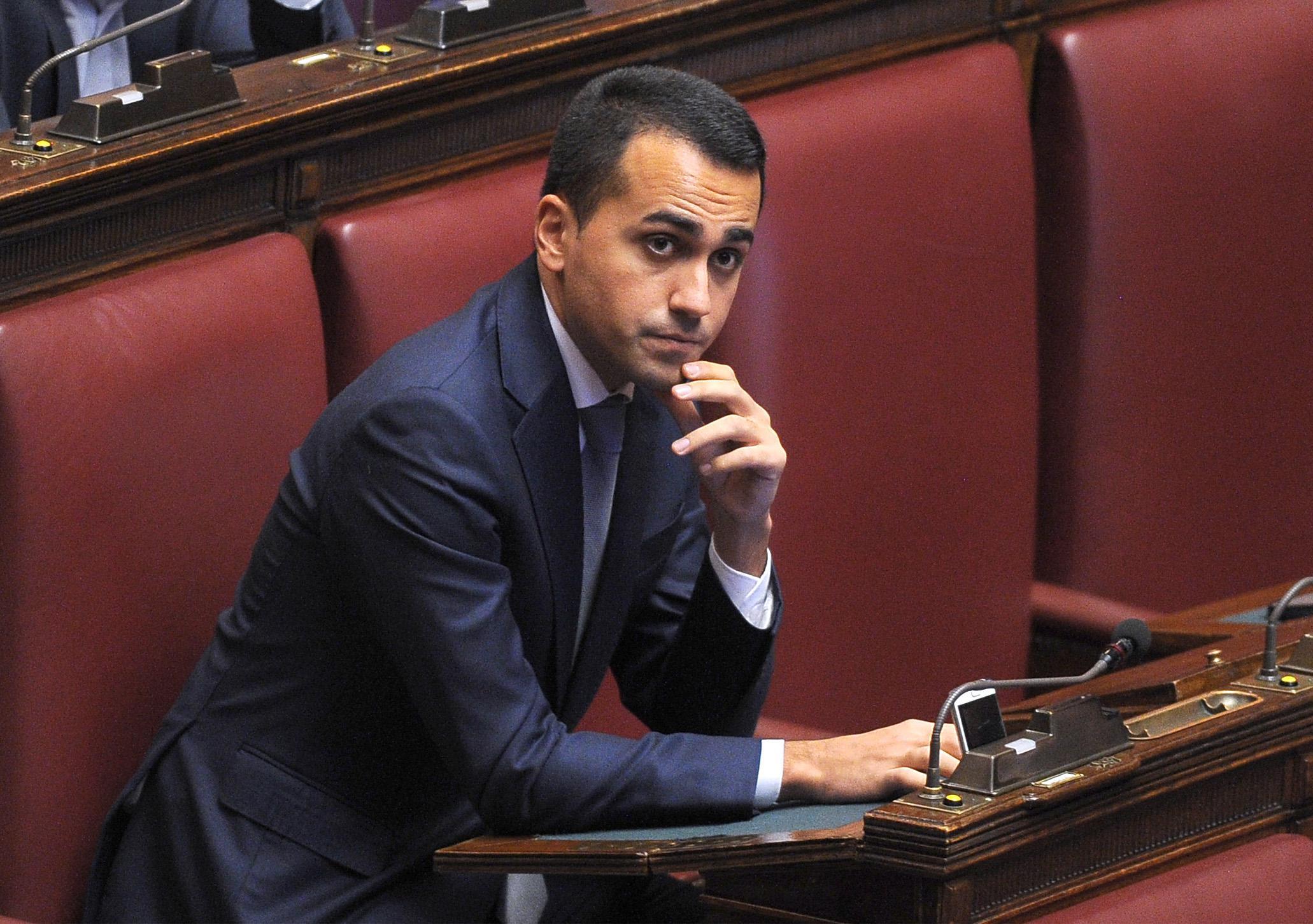 """Referendum, Di Maio: """"Accozzaglia? Renzi sta con Verdini, Alfano e Confindustria"""""""