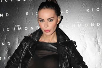 Nina Moric apre a Casapound: Candidarmi? Forse