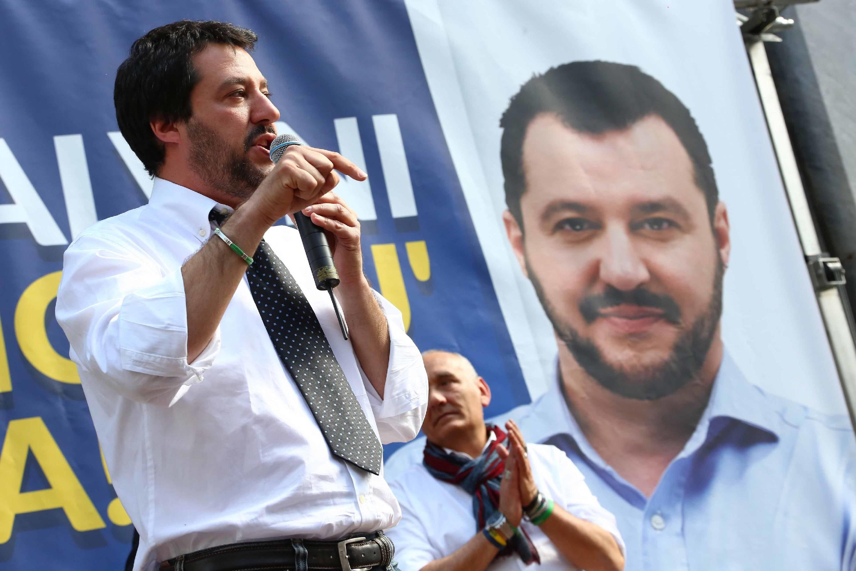 """Salvini: """"Se vinciamo noi Paese fuori dall'euro e dalla Ue"""""""