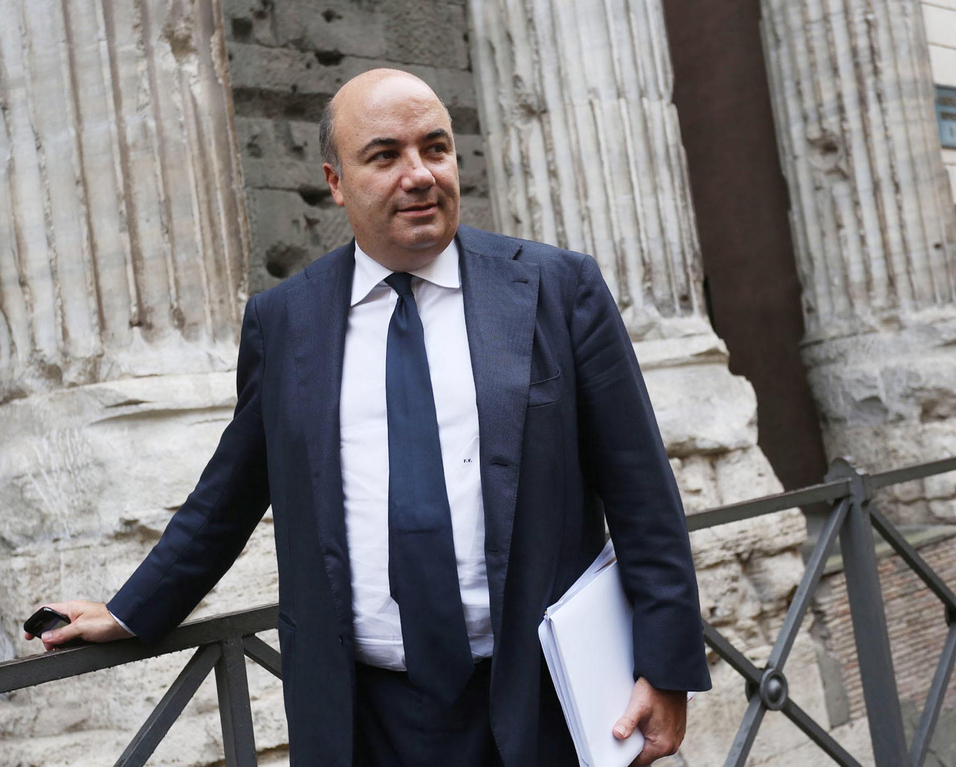 """Mps, Padoan sulle dimissioni di Viola: """"Serviva discontinuità"""""""
