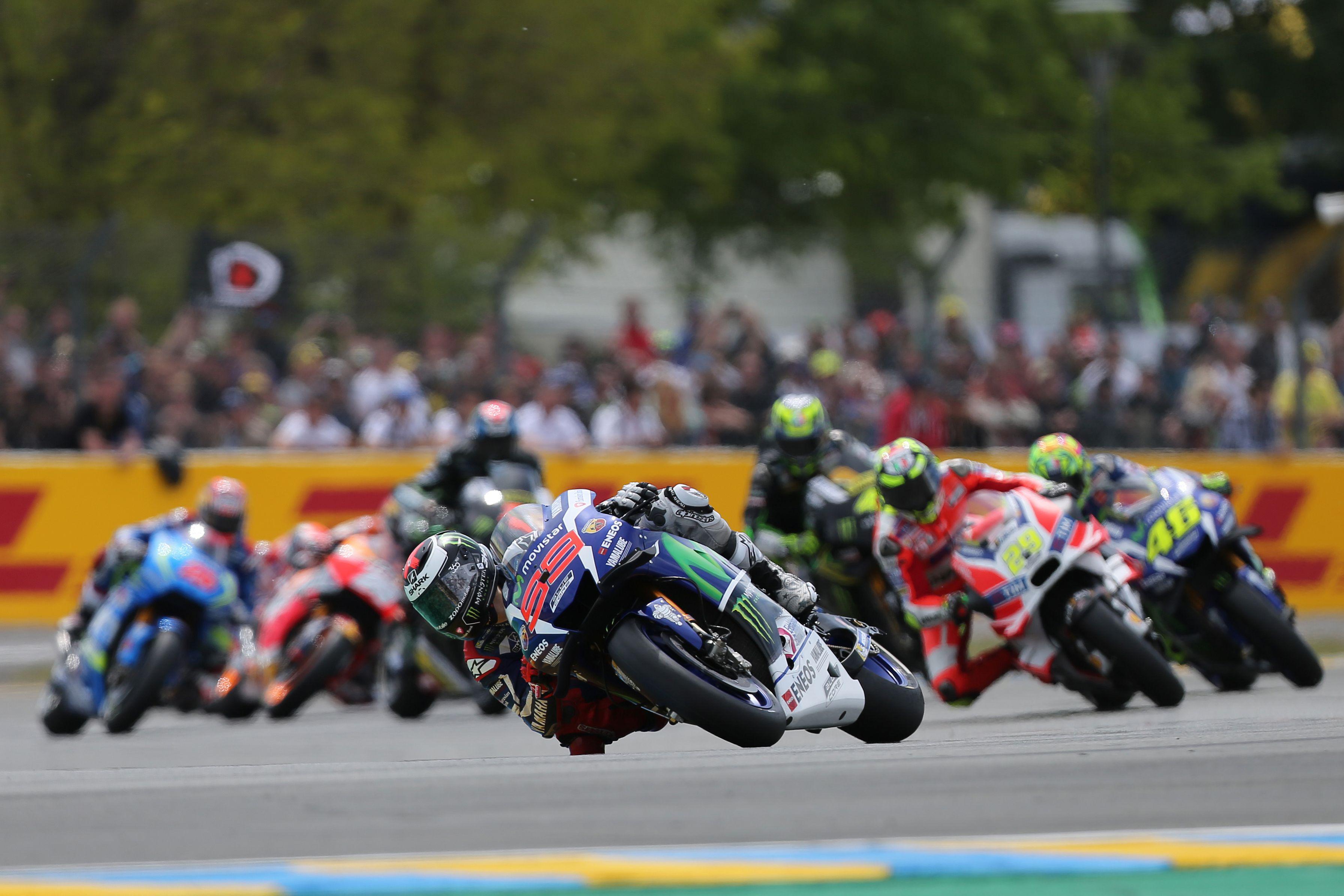Motomondiale, Gp Gran Bretagna: Crutchlow in pole davanti a Rossi e Vinales