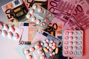 Farmaci, l'allarme: Uno su dieci è contraffatto, fenomeno in aumento