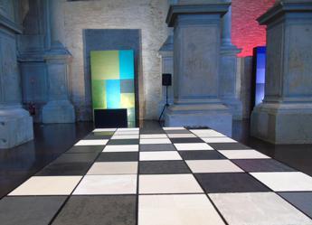 Alla Biennale 'Designing the complexity', un percorso sensoriale attraverso i colori e la materia Oikos /Foto
