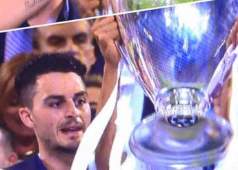 L'impresa dell'imbucato, alza la Champions con il Real Madrid /Video
