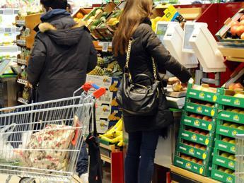 Istat, commercio fermo. -0,6% a marzo