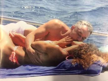 Raffaella Fico e Alessandro Moggi, passione in alto mare: tutte le foto