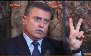 Roma, si spaccia per poliziotto: denunciato ex agente in pensione
