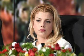 Emma Marrone, solo amicizia non Caparezza?