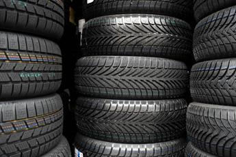 Sicurezza stradale, dal 15 novembre scatta obbligo pneumatici invernali