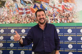 Elezioni comunali 2016: Matteo Salvini appoggia Virginia Raggi a Roma