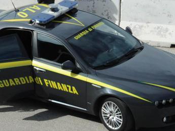Roma, maxi sequestro della Gdf: confiscati 2mln fra giocattoli e abbigliamento contraffatti