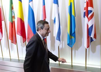 Draghi: Italia deve continuare con riforme strutturali, debito è sostenibile
