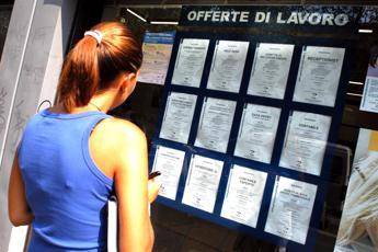Istat: 439mila occupati in più in un anno