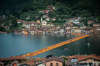 Christo: Chi ha percorso The Floating Piers porterà l'opera con sé