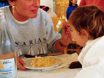 Pediatra: Dieta vegan inadeguata per bimbi, in aumento ricoveri