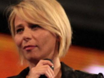 Sanremo, De Filippi con Conti sul palco dell'Ariston?