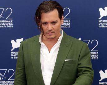 Johnny Depp in cerca di pace, compra villa svizzera al confine con l'Italia