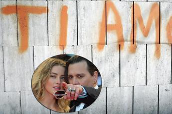 Johnny Depp accusato di violenza domestica da Amber Heard