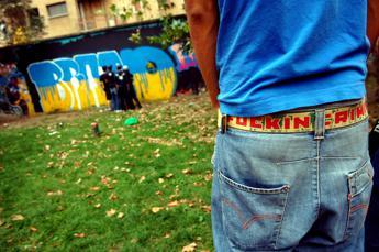 Soli, fragili e meno fertili: la crisi dei giovani maschi
