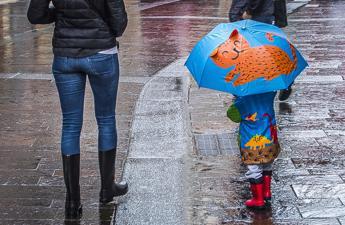 Bomba d'acqua su Roma: crolli e traffico in tilt