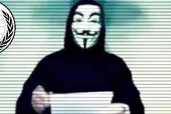 Anonymous attacca i prof: rubate mail e password