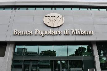 Borsa, Milano chiude l'anno senza slancio (+0,16%)