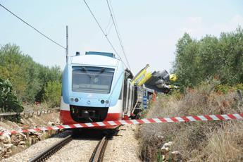 Scontro treni, il procuratore: Si indagherà anche sul mancato raddoppio
