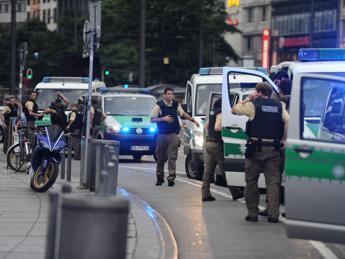 Sparatoria a Monaco di Baviera: sono nove i morti
