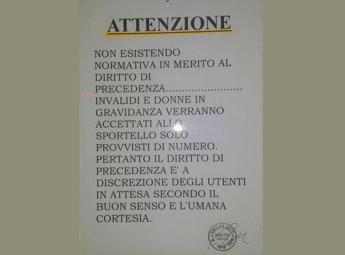 Cartello alla Asl Roma 1, no norme precedenza per donne incinte e invalidi