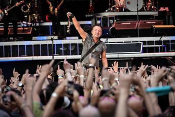Metal detector per il concerto di Bruce Springsteen a Roma