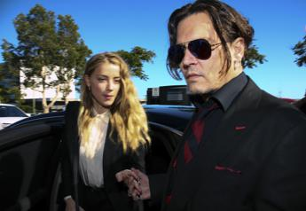 Johnny Depp colpito da Amber Heard, gli audio choc sul Daily Mail