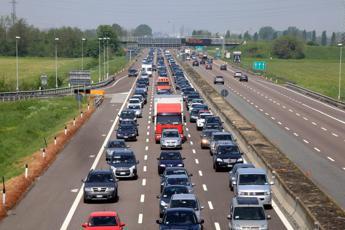 Prosegue il controesodo, traffico intenso su tutte le autostrade