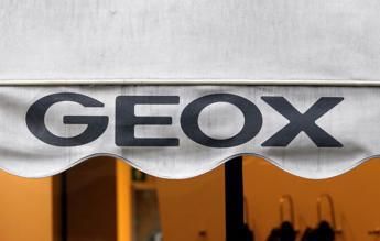 Geox, utile sale a 15,4 milioni. Ricavi in calo