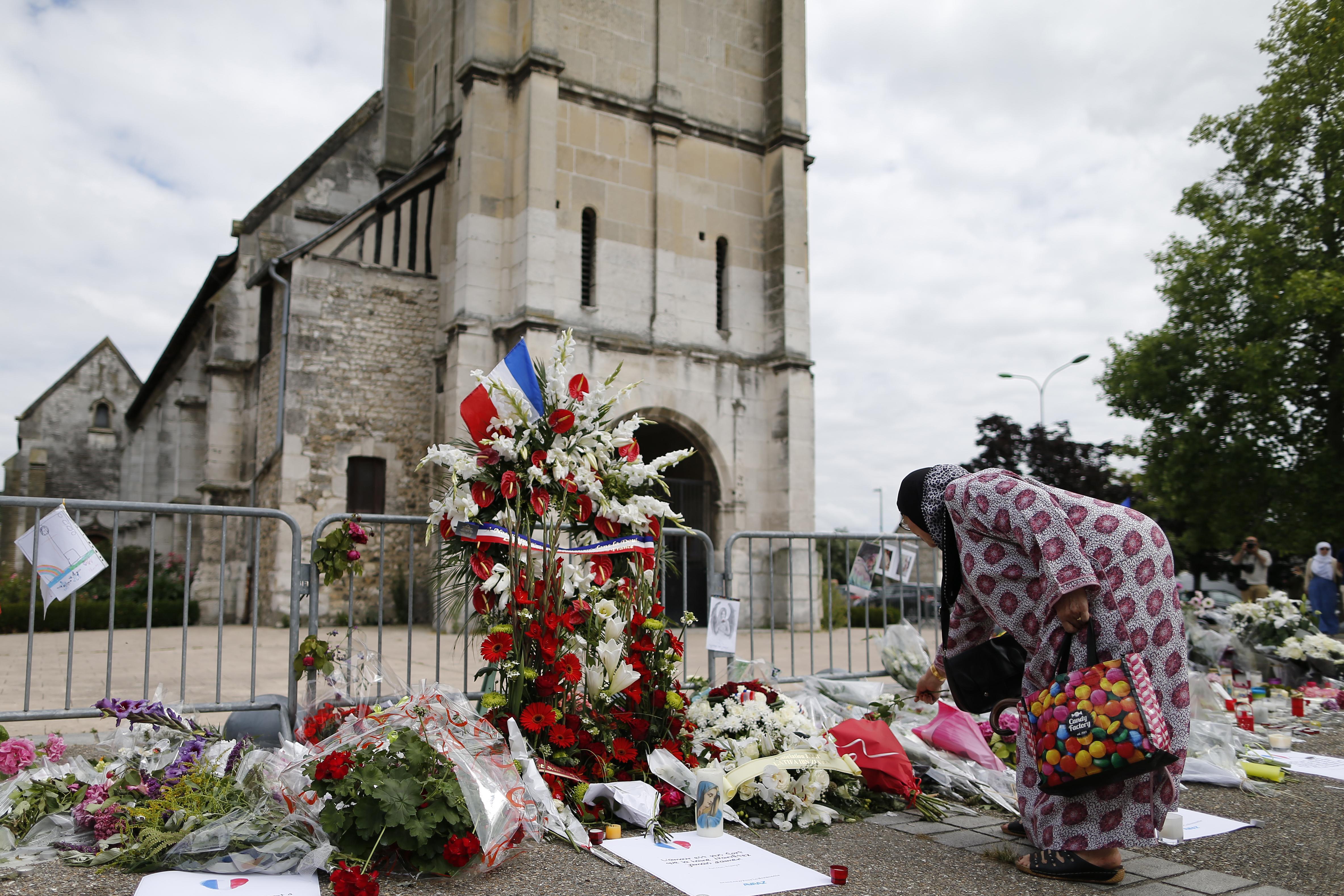 Francia, riapre la chiesa a Rouen dove fu sgozzato padre Jacques