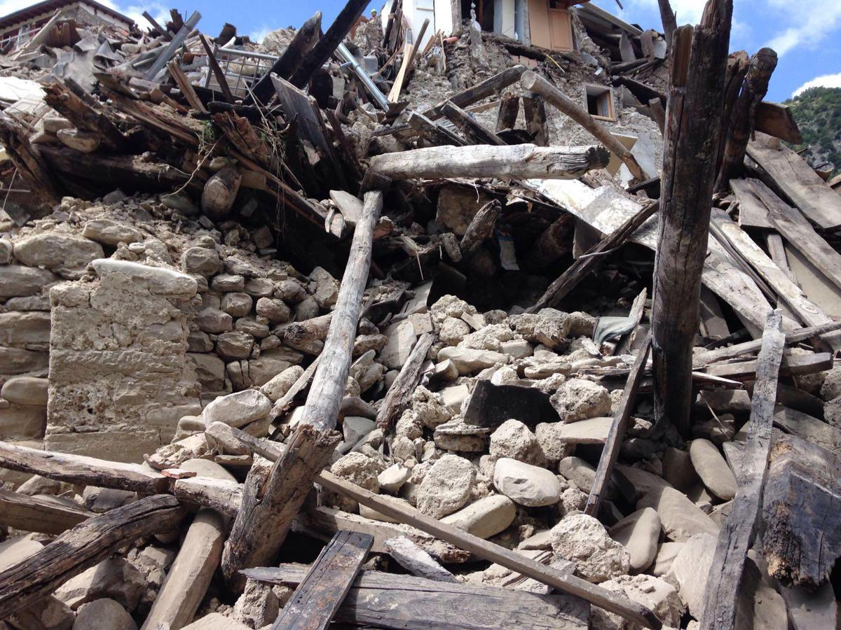 Risultati immagini per terremoto marche