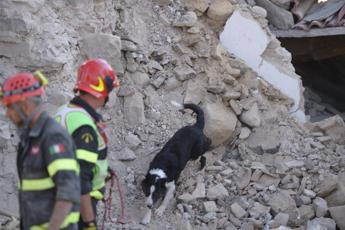 Earthquake death-toll could top L'Aquila's official warns