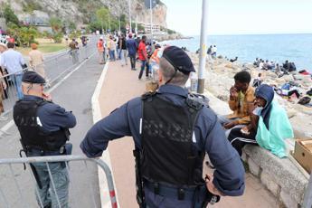 Ventimiglia, poliziotto muore di infarto durante scontri. Oggi sit-in