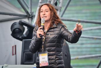Taverna: Disgusta no Lega a eurobond, è contro italiani