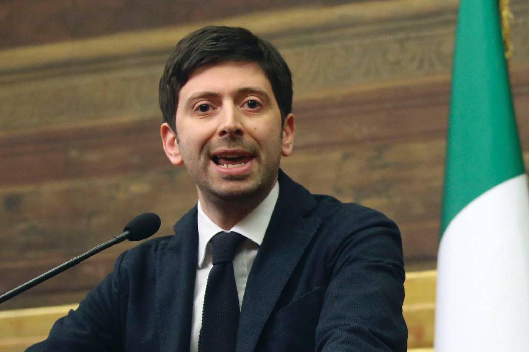 """Referendum, Speranza a Renzi: """"Si vince a destra? Così addio ai voti Pd"""""""