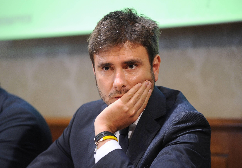 """Roma, Di Battista: """"Ora Raggi è autonoma, a lei oneri e onore"""""""