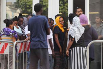 Migranti, Oxfam: Serve concretezza e trasparenza