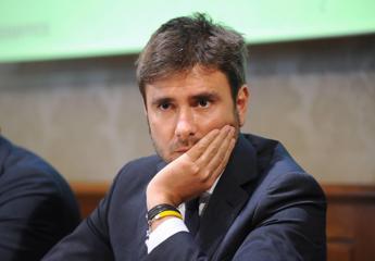 Mps, Di Battista: Draghi co-responsabile del dissesto