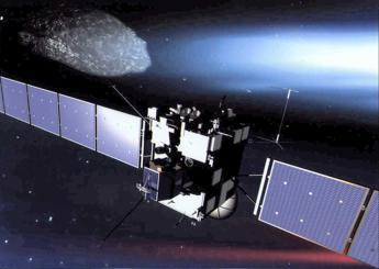 Da sonda Rosetta le prime immagini ravvicinate della cometa