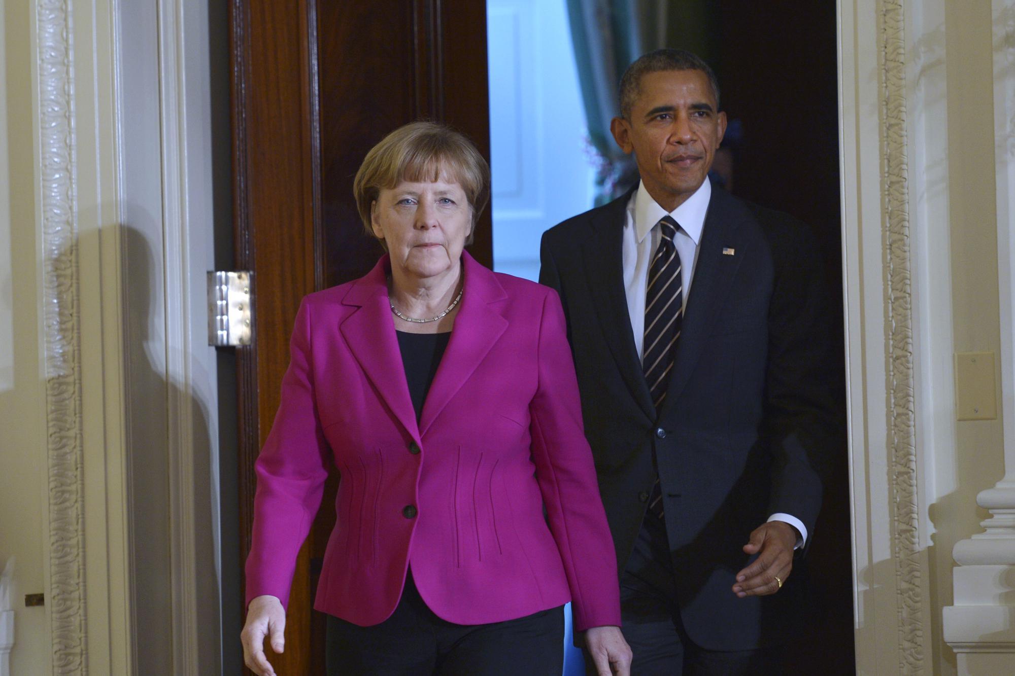 """Obama-Merkel: """"Barbari raid su Aleppo, Mosca ha responsabilità su fine scontri"""""""