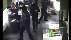 Firenze, assalto a gioielleria a colpi d'ascia arrestati rapinatori