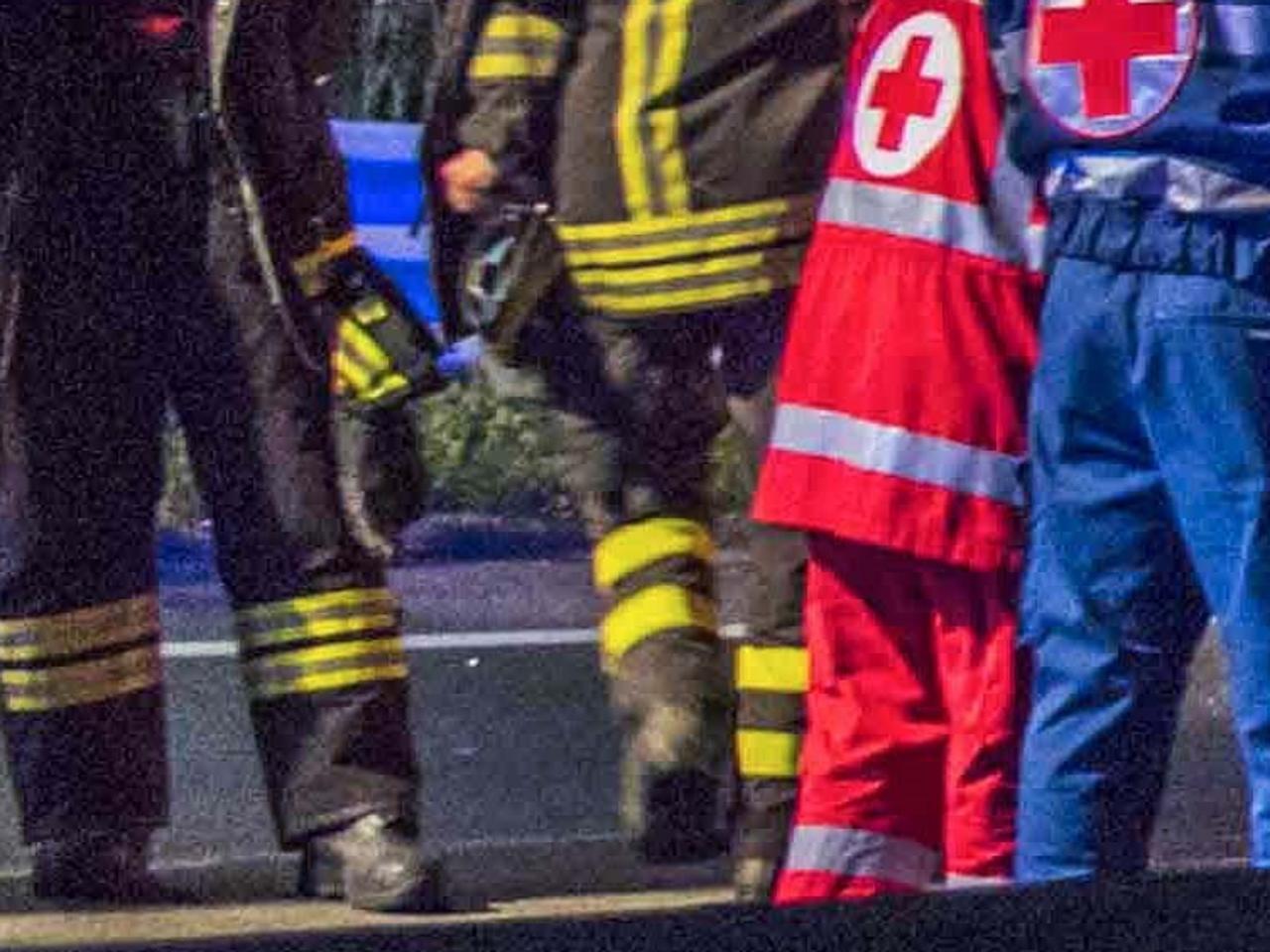 Scontro tra due auto vicino Roma: 4 feriti, uno è grave