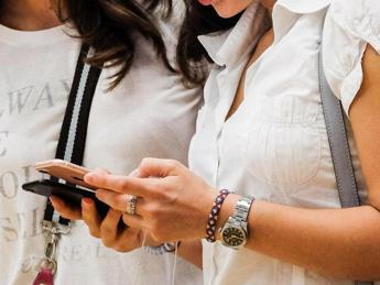 Epidemia di occhi secchi, 'dipendenza digitale' sotto accusa