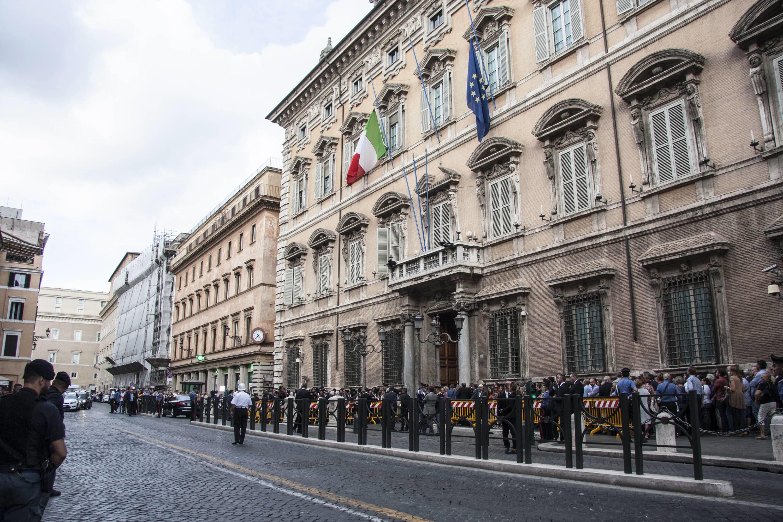 Ciampi, omaggio alla camera ardente: anche Draghi a palazzo Madama